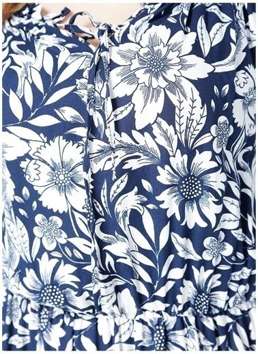 Selen Selen Mavi Çiçekli V Yaka Kadın Elbise Lacivert